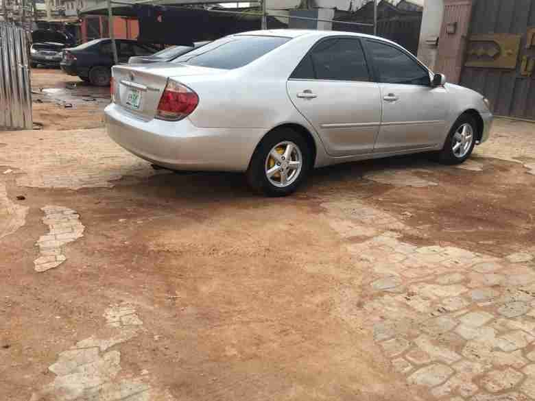 Toyota-Camry-2005-for-Sale